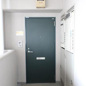 グリーンパーク新向島のフロア廊下(エレベーター降りてからお部屋まで)
