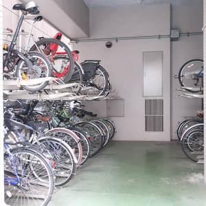 グリーンパーク新向島の駐輪場
