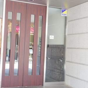 Dクラディア中野のマンションの入口・エントランス