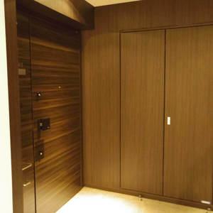 ザパークハウス中野タワー(16階,8980万円)のお部屋の玄関