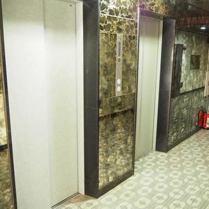 信濃町ハイムのエレベーターホール、エレベーター内