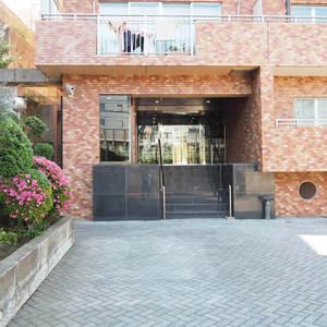 信濃町ハイムのマンションの入口・エントランス