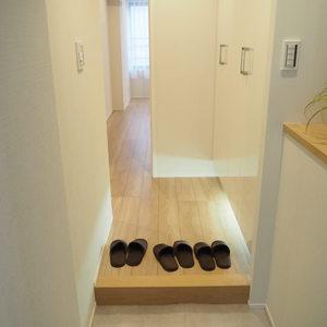 新宿内藤町ハウス(7階,)のお部屋の玄関