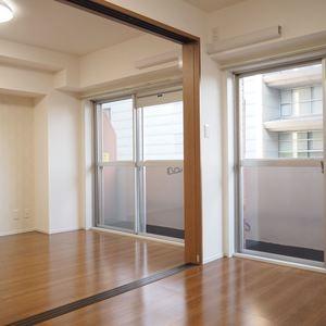 ロジマン御苑(6階,)の洋室
