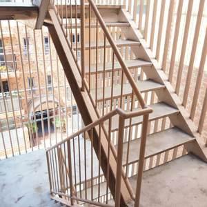 ベラビスタ信濃町(4階,3980万円)のフロア廊下(エレベーター降りてからお部屋まで)