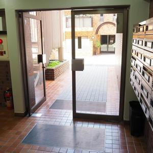 ベラビスタ信濃町のマンションの入口・エントランス