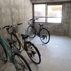 ベラビスタ信濃町の駐輪場