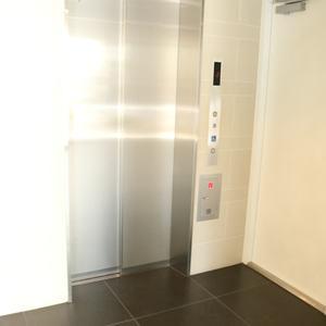 セジョリ駒込のエレベーターホール、エレベーター内