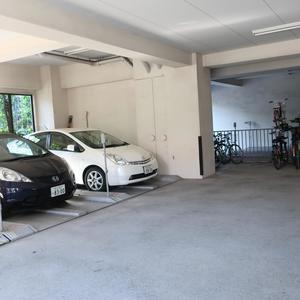 ムサシノコート浅草橋の駐車場