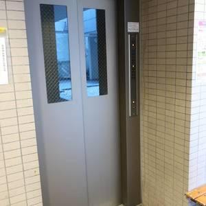 ムサシノコート浅草橋のエレベーターホール、エレベーター内