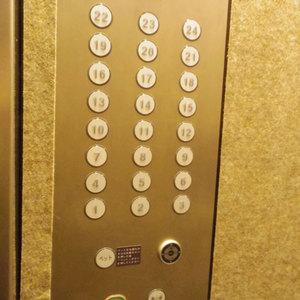 ザパークハウス中野タワーのエレベーターホール、エレベーター内