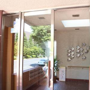 藤和白山コープのマンションの入口・エントランス