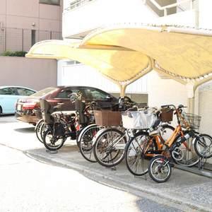 藤和白山コープの駐車場