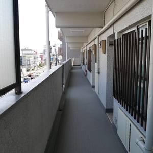 錦糸町第2ローヤルコーポ(3階,)のフロア廊下(エレベーター降りてからお部屋まで)