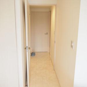 グランシティ天王洲アイル(5階,6280万円)のお部屋の廊下