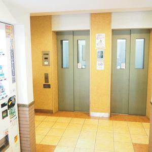 グランシティ天王洲アイルのエレベーターホール、エレベーター内