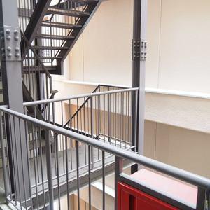 ネオハイツ田町(3階,)のフロア廊下(エレベーター降りてからお部屋まで)