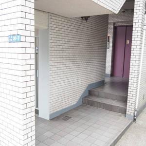 ローレルプラザ田町のマンションの入口・エントランス