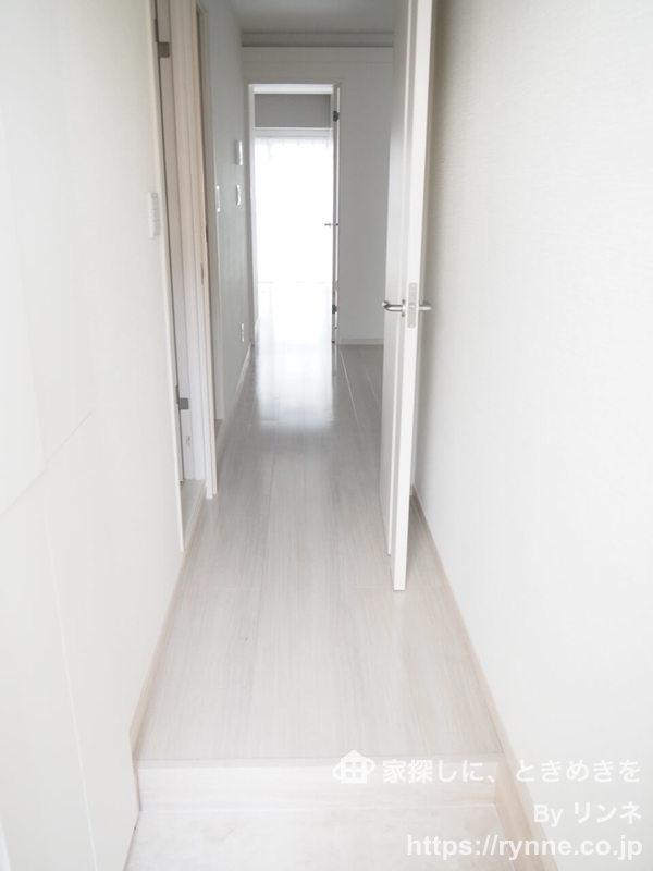 ローレルプラザ田町のお部屋の廊下1枚目
