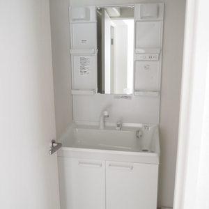 ローレルプラザ田町(8階,3680万円)の化粧室・脱衣所・洗面室