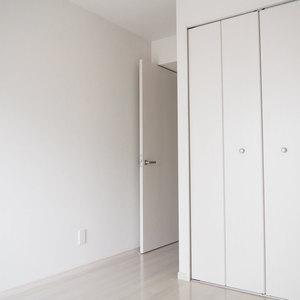 ローレルプラザ田町(8階,3680万円)の洋室