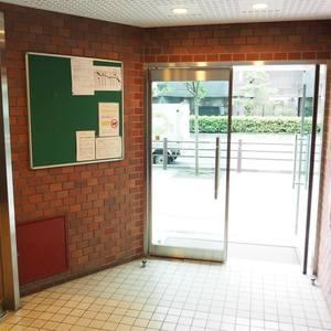 エル・アルカサル三田のマンションの入口・エントランス