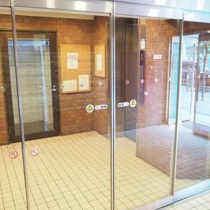 エル・アルカサル三田のエレベーターホール、エレベーター内
