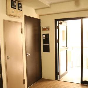 ドリーム小石川(4階,)のフロア廊下(エレベーター降りてからお部屋まで)