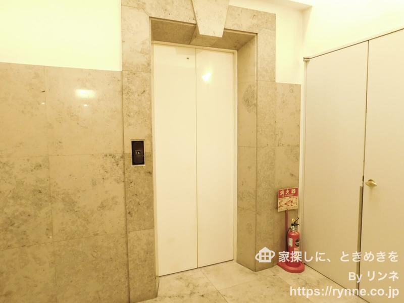パークコート中落合のエレベーターホール、エレベーター内1枚目