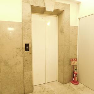 パークコート中落合のエレベーターホール、エレベーター内