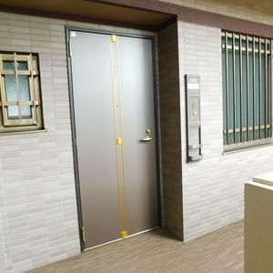 サンクタスデュオ下落合コートA(7階,5380万円)のフロア廊下(エレベーター降りてからお部屋まで)