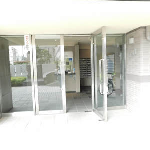 サンクタスデュオ下落合コートAのマンションの入口・エントランス