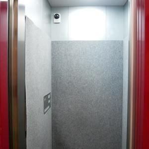 ルリオン錦糸町エグゼのエレベーターホール、エレベーター内