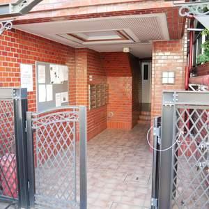住建第6ハイプレースのマンションの入口・エントランス