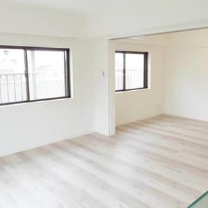 鍋屋横丁住宅(5階,)の居間(リビング・ダイニング・キッチン)