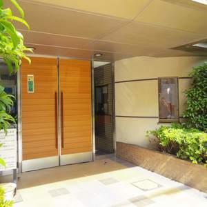 朝日マンション新中野のマンションの入口・エントランス