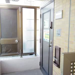朝日マンション新中野(9階,)のフロア廊下(エレベーター降りてからお部屋まで)