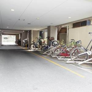 モナーク新中野ステーションプラザの駐輪場