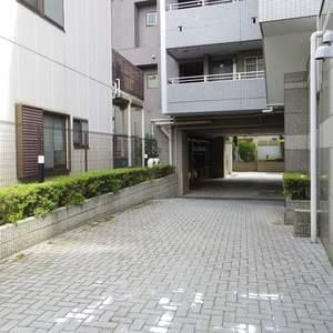 シーアイマンション新中野の駐車場