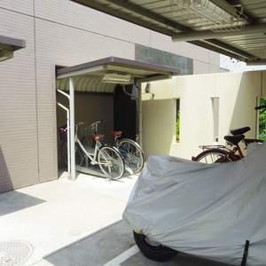 日神デュオステージ新中野の駐輪場