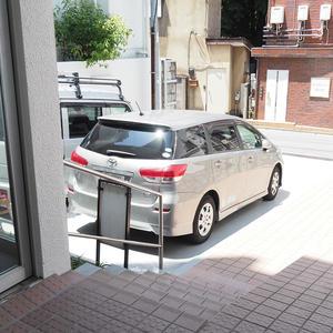参宮橋コーポラスの駐車場