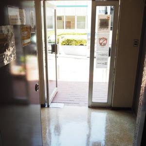ライオンズマンション代々木のマンションの入口・エントランス