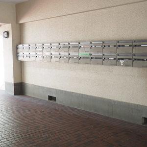 メゾンドール代々木のマンションの入口・エントランス