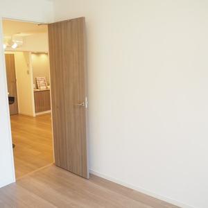 メゾンドール代々木(4階,4099万円)の洋室