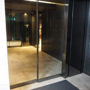 ヴァントヌーベル代々木のマンションの入口・エントランス