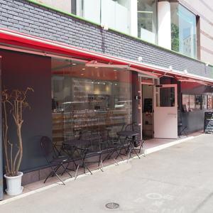 ヴァントヌーベル代々木のカフェ