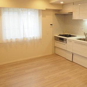 秀和第2神宮レジデンス(4階,3480万円)の居間(リビング・ダイニング・キッチン)