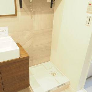 秀和第2神宮レジデンス(4階,3480万円)の化粧室・脱衣所・洗面室