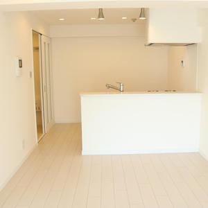春日ビューハイツ(6階,2680万円)の居間(リビング・ダイニング・キッチン)