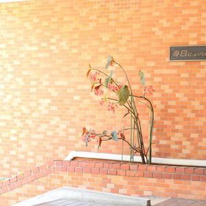 春日ビューハイツのマンションの入口・エントランス